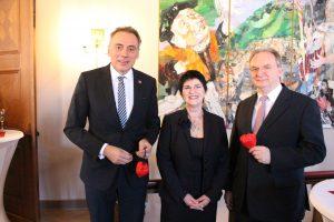 Oberbürgermeister Peter Gaffert, die Geschäftsführerin der Lewida GmbH Carola Lau und Sachsen-Anhalts Ministerpräsident Reiner Haseloff nach der Eröffnungsrede